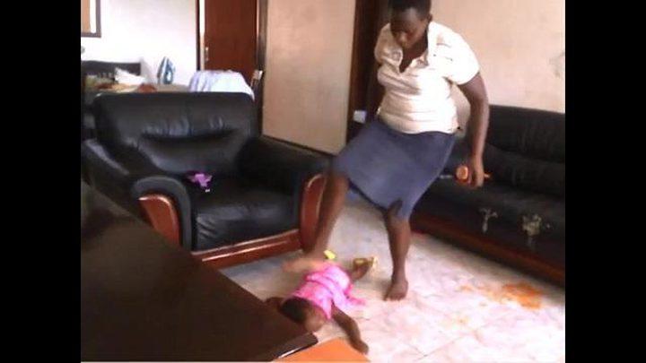والد ينتقم من خادمة بعد أن عذبت طفلته بطريقة وحشية