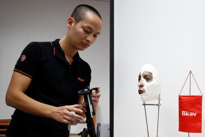 باحث فيتنامي ينجح في اختراق آيفون X بطريقة غريبة