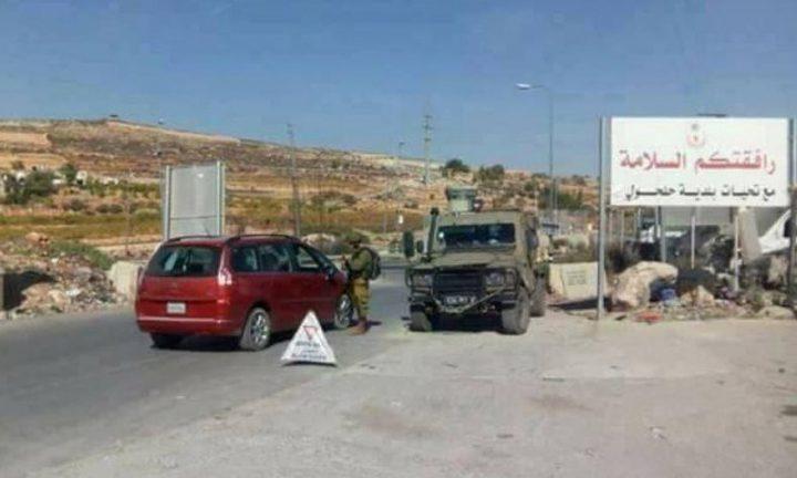 الاحتلال يفرض طوقًا عسكريًا على مدينة حلحول