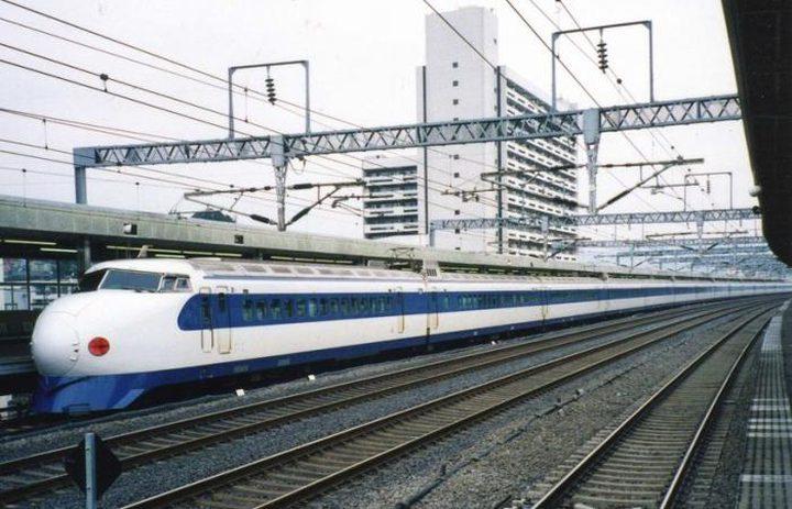 """اعتذار رسمي لركاب قطار ياباني والسبب """"20 ثانية""""!"""