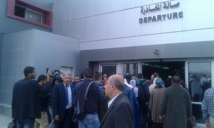 الغزّيُون يُعربون عن ارتياحهم بالسفر في ظل ادارة حكومة الوفاق للمعابر