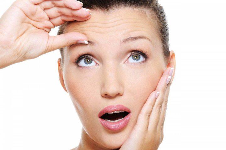 هذه الأمور التي تفعلينها يومياً قد تسبّب ظهور تجاعيد الوجه باكراً... إحذريها!