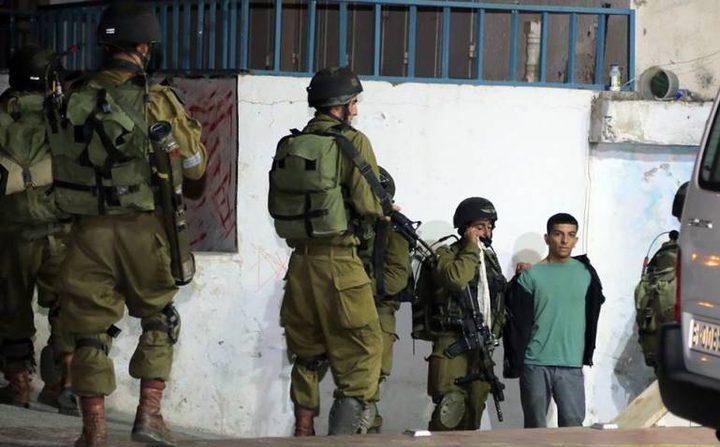 الاحتلال يعتقل (21) مواطنًا (محدث)