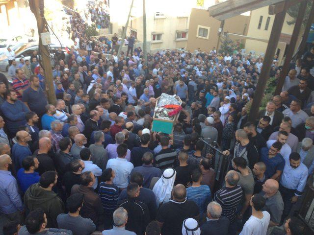 بالصور: جماهير غفيرة تشيّع جثمان عضو المكتب السياسي للحركة الإسلاميّة