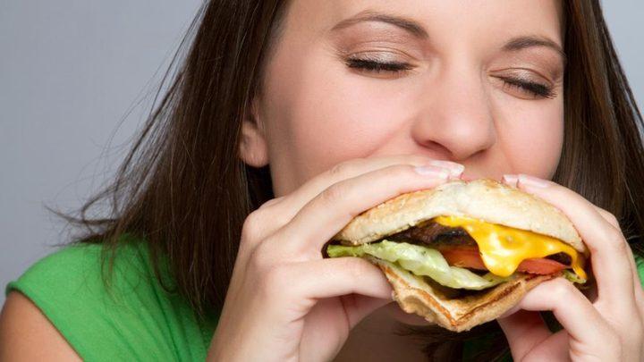 توقف فوراً عن الأكل بسرعة