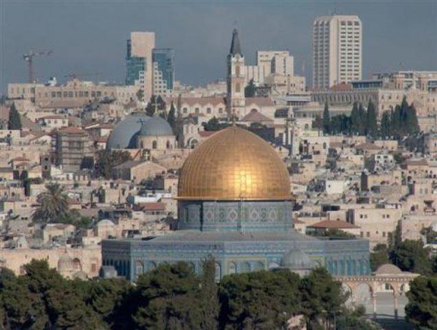 """تهويد القدس القديمة من بوابة """"تلفريك"""""""