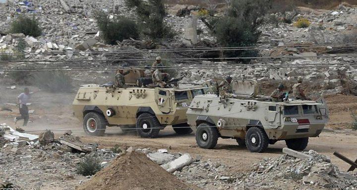 الجيش المصري يدمر 10 آليات محملة بالأسلحة