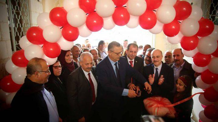 افتتاح معرض المنتجات والصناعات الزراعية الكرمية