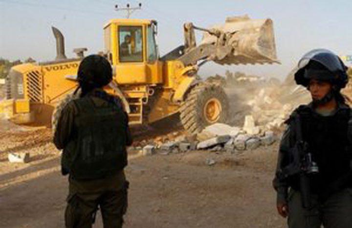 الاحتلال يلصق أوامر هدم لعدد من المنازل في حيفا