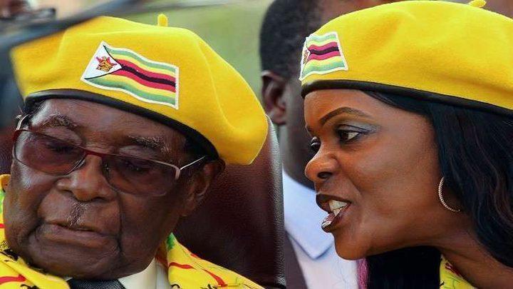 رحيل موغابي... صفقة وأرقام خيالية
