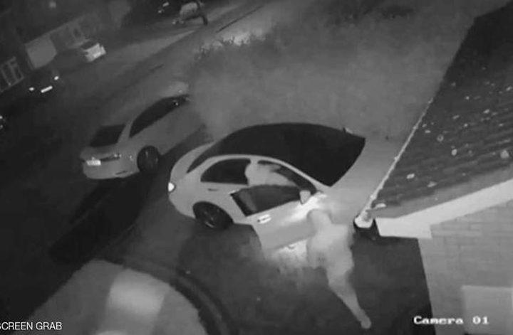 """سرقة سيارة بطريقة """"إلكترونية"""" عن طريق لابتوب"""