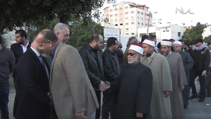 بيت عـــزاء لشهداء مسجد الروضة في غزة (فيديو)