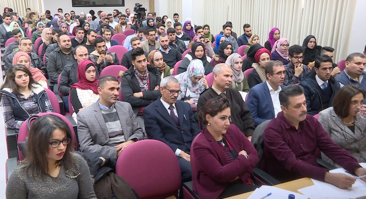 """""""النجاح الوطنية"""" تطلق مناظرات فلسطينيات (5)"""
