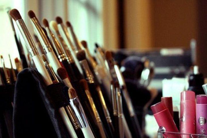 متى يجب التخلص من أدوات التجميل ؟