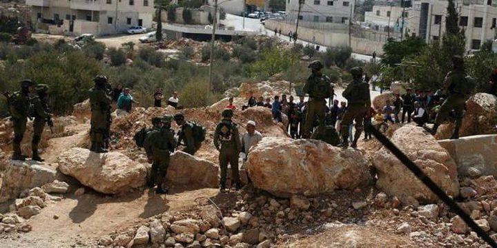 قوات الاحتلال تقمع مسيرة قلقس السلمية(صور)