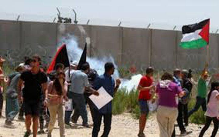 الاحتلال يقمع مسيرة نعلين الاسبوعية