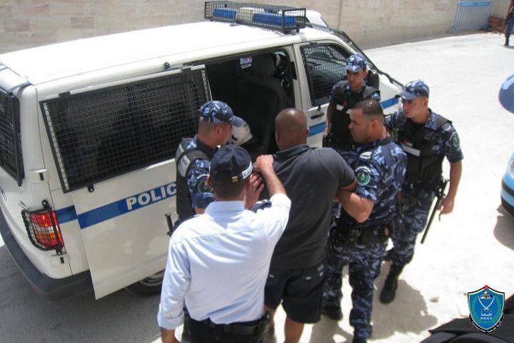 القبض على على ستة أشخاص بحوزتهم مواد مخدرة