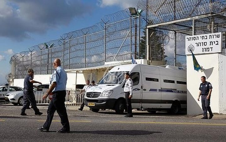 حملة تنقلات واسعة في صفوف الأسرى في سجون الاحتلال