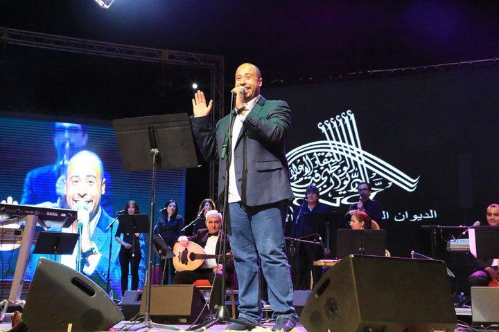 يوسف العماني يغني الامارات بخمس لغاتبمناسبة اليوم الوطني