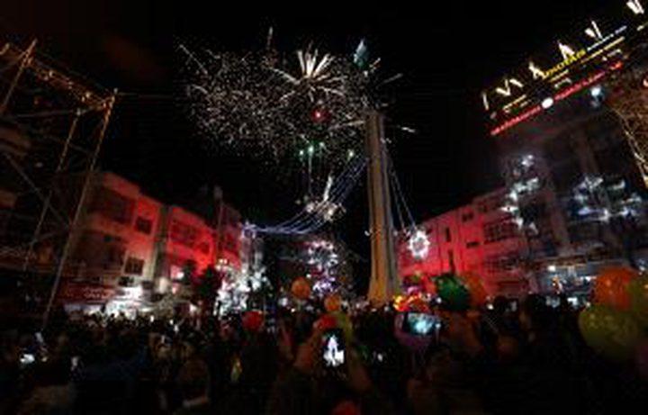 إضاءة شجرة الميلاد