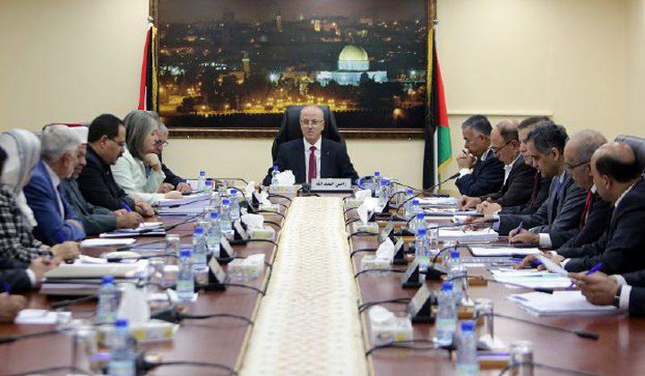 الحكومة تحذر من مخاطر وتداعيات نقل السفارة الأميركية إلى القدس