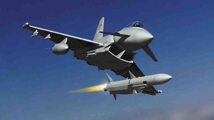 """قطر توقّع اتفاقية مع بريطانيا لشراء 24 مقاتلة """"تايفون"""""""