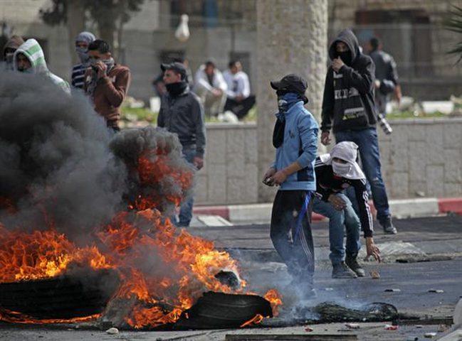 طولكرم: إصابات بمواجهات مع الاحتلال في زيتا وخضوري