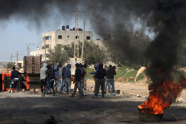 مستوطنون يهاجمون عوريف ومواجهات في سالم