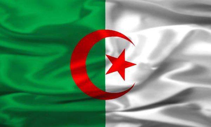 """دبلوماسي جزائري: نرفض استقبال جنود """"المارينز"""" لتأمين السفارة الأميركية"""