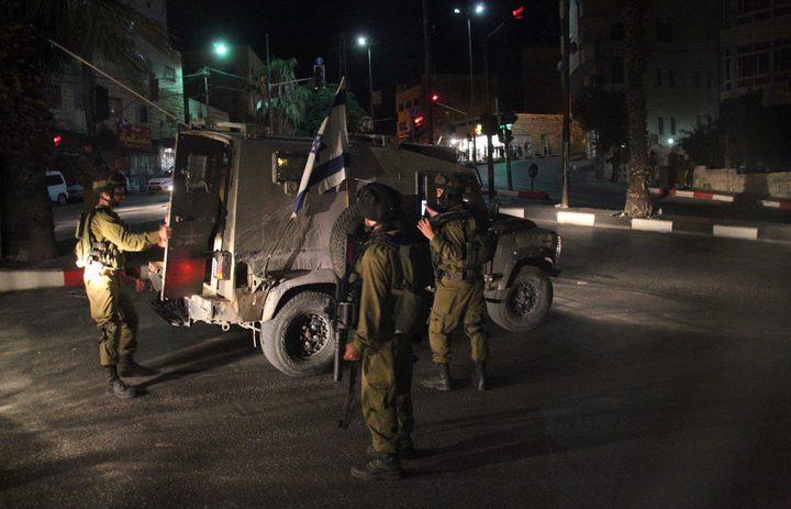 الاحتلال يعتقل أربعة مواطنين من محافظة الخليل