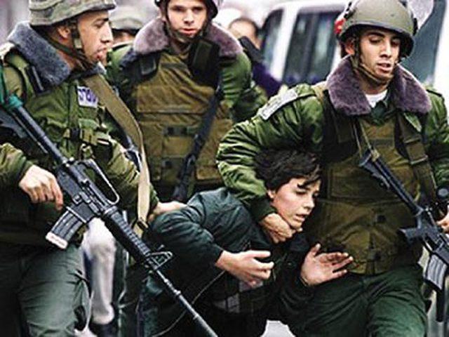 الاحتلال يعتقل 3 أطفال من بيت كاحل