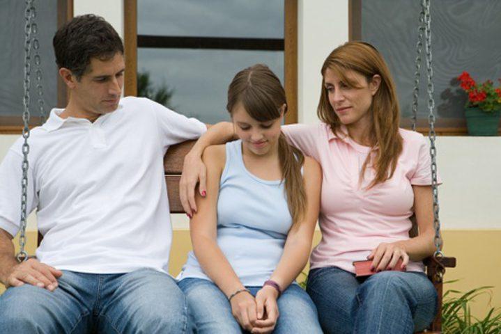 هكذا يصبح التعامل مع إبنكم المراهق سهلاً... تخلّوا عن هذه الأخطاء