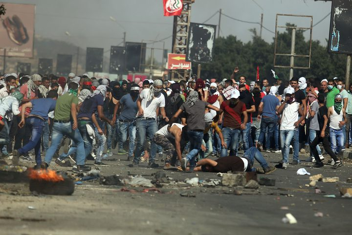 إصابة نحو 40 مواطنا بالأعيرة المطاطية والغاز في مواجهات جنوب نابلس