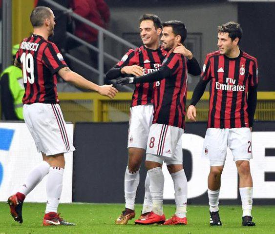 ميلان يسحق فيرونا بالثلاثة ويتأهل لدور الثمانية بكأس إيطاليا