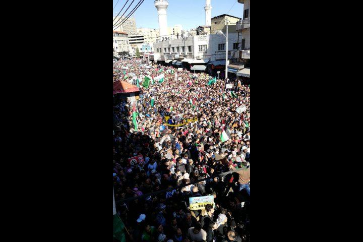 الأردن: الآلاف يتظاهرون في الشوارع ضد قرار ترامب (صور)