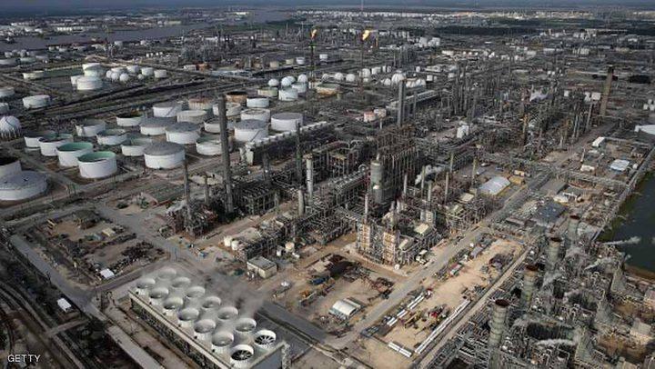 أسعار النفط ترتفع قليلا بدعم من إغلاق خط أنابيب