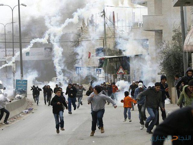 إصابات بالرصاص والاختناق واعتقال 5 مواطنين