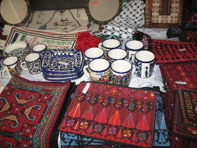 مشاركة فلسطينية في البازار الخيري السنوي في الجبل الأسود
