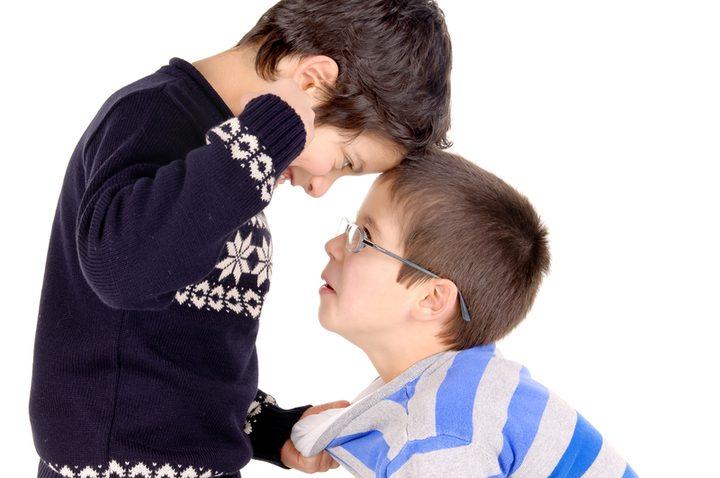 متى يتحول الدعم المعنوي للطفل خطراً عليه؟