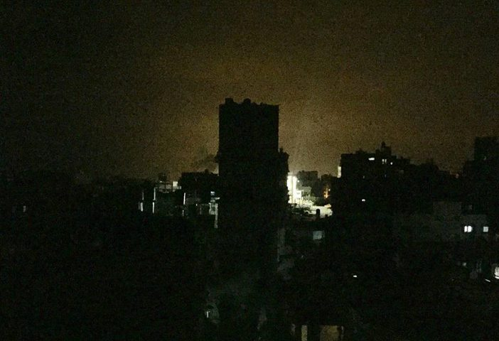 طيران الاحتلال الحربي يقصف ثلاثة مواقع للمقاومة في قطاع غزة (فيديو)