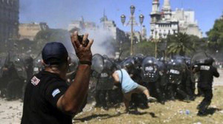 الأرجنتين: 162 مصاباً في الاحتجاجات جراء الإصلاح التقاعدي المرتقب