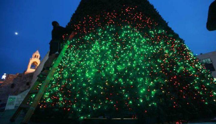 """إضاءة شجرة الميلاد في """"جبل البابا"""" بالقدس"""