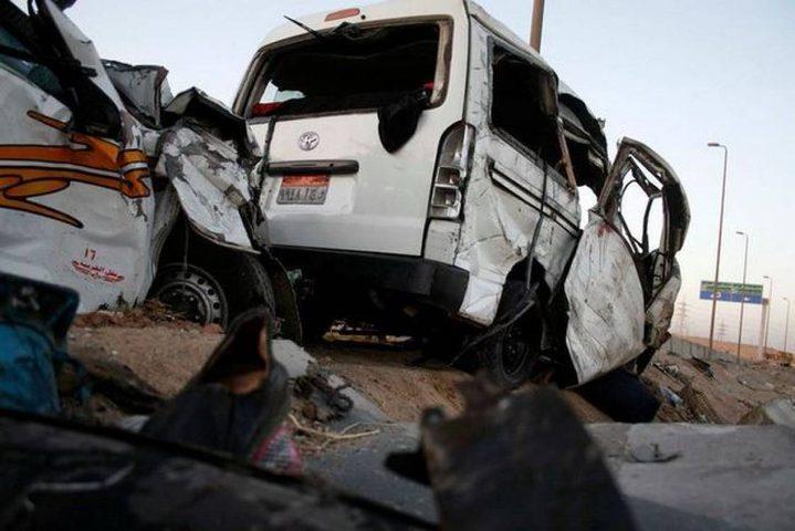 مصرع 13 شخصًا إثر اصطدام حافلة بشاحنة وسط مصر