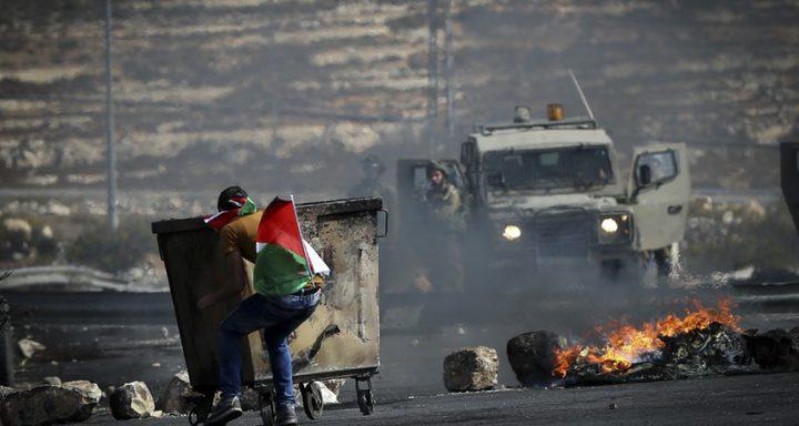 23 إصابة في مواجهات مع الاحتلال قرب حاجز قلنديا