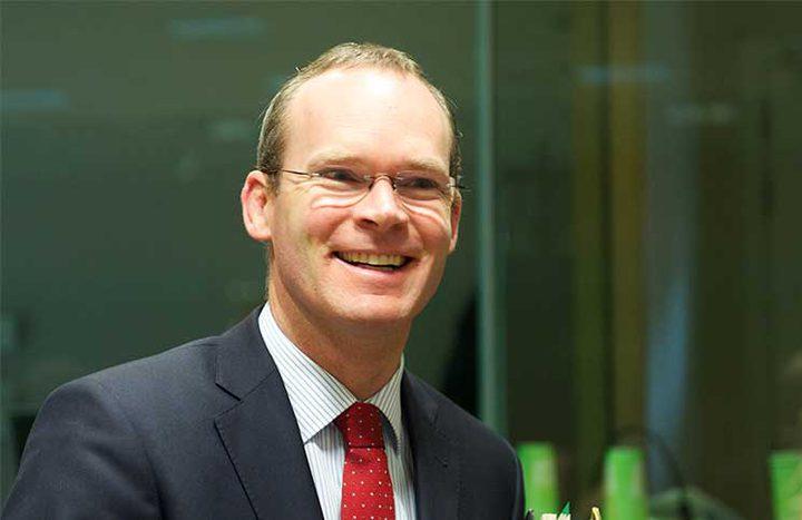 وزير الخارجية الايرلندي يؤكد تمسك بلاده بحل الدولتين