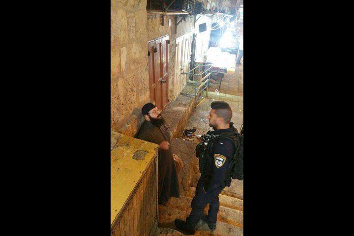 مستوطن بلباس إسلامي يحاول اقتحام المسجد الاقصى