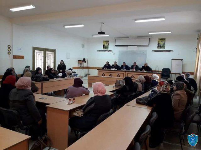 الشرطة تنظم لقاء حول الابتزاز الالكتروني في طوباس