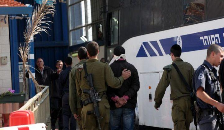 الاحتلال يصدر (40) أمر اعتقال إداري بحق أسرى