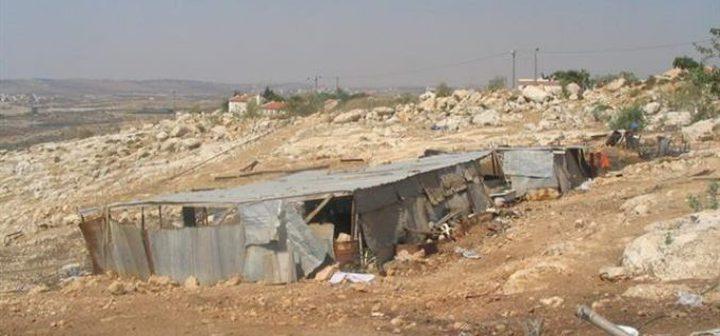قوات الاحتلال تسلم إخطارات لهدم بركسات في حارس
