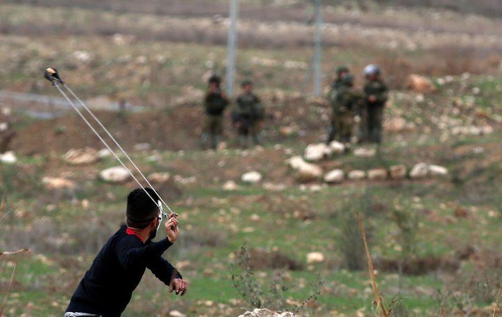 29 إصابة في مواجهات مع الاحتلال بالضفة